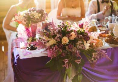Ozdoby, dekoracje, kwiaty, samochód na wesele